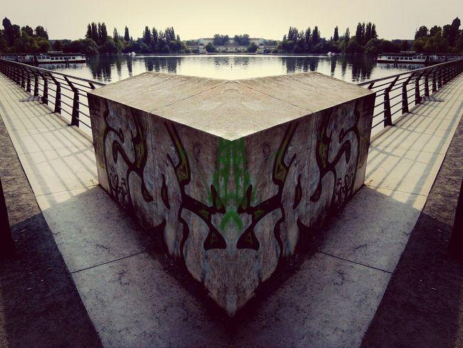 Street Art Street Art/Graffiti Mirror Art Mirror Effect