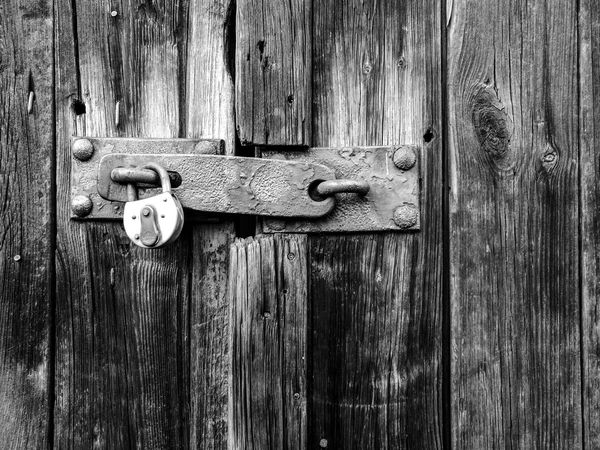 Lastpostforthisyear2016isclosed Wood - Material Outdoors Textured  Close-up No People Door Surfaces And Textures Simplicity HuaweiP9 Monochrome Schwarzweiß Monochrome Photography Bnw Blackandwhite Monochromatic Minimalistic Black And White Friday