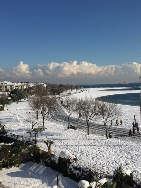 Yeşilköy Seaside ❄️ Snow ❄ Hello World Taking Photos Enjoying Life Photography Istanbul Yesilköy Sunset #sun #clouds #skylovers #skyporn #sky #beautiful #sunset #clouds And Sky #beach #sun _collection #sunst And Clouds Photowork Colors Hi! White Beatiful Nature