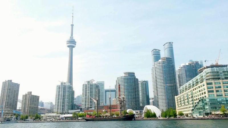 Toronto Waterfront. Toronto Toronto Skyline TorontoLife CN Tower CN Tower - Toronto CN TOWER Toronto Canada CN Tower Against Blue Sky