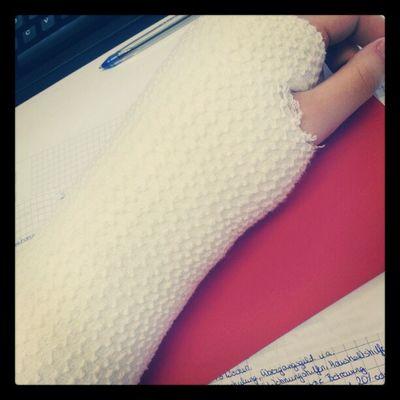 Mein Liebstes Winter Accessoire :D peace gipsarm white