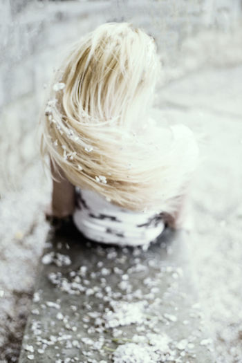 Animal Animal Themes Blond Hair Close-up Day Focus On Foreground Hair Hairstyle High Angle View Indoors  Nature No People Selective Focus Single Object Softness Still Life Street Textured  Wellbeing White Color