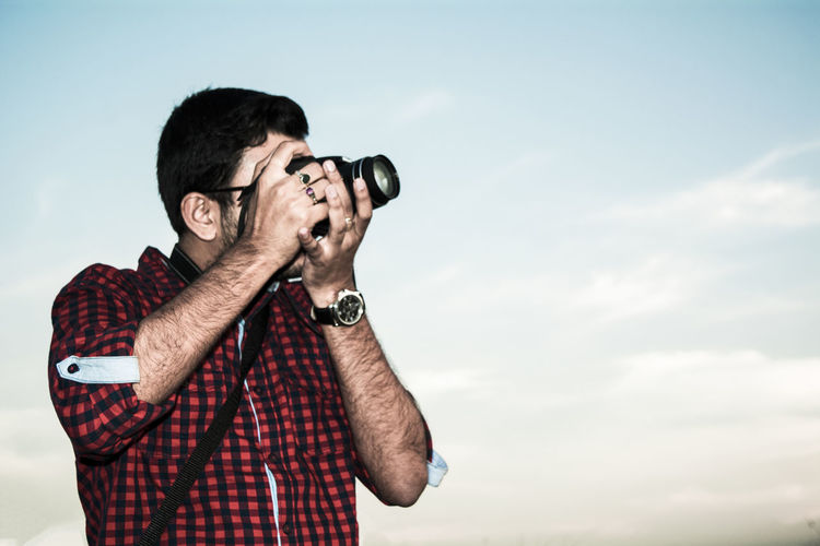 Adult Adults Only Camera - Photographic Equipment Casual Clothing Day Holding Human Hand Men Nature Only Men Outdoors People Photography Themes Real People Retro Styled Sky Standing Two People Young Adult Young Men Lifestyles Photographer Mikon5200 Be. Ready. The Portraitist - 2018 EyeEm Awards The Traveler - 2018 EyeEm Awards The Street Photographer - 2018 EyeEm Awards