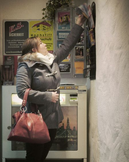 Interested - MAinLoveWithLife and Big Girl Getting Inspired Reaching Out Reach Out Stretching Portrait Portrait Of A Woman Portrait Of A Friend Friend Connected Capture The Moment Life How I See The World — 20.11.2015