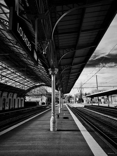 Train Station #shoot #blackandwhite #black #white #hdr #eyemphoto