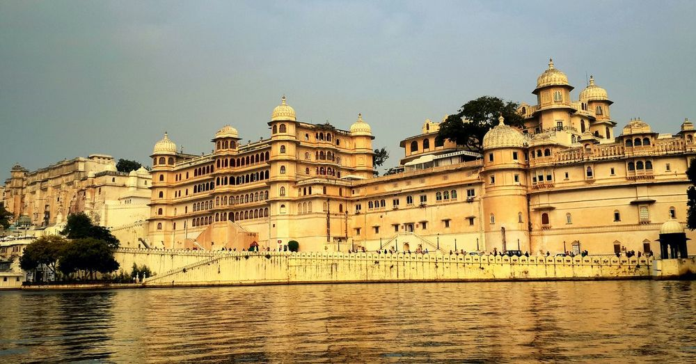 Travel diaries chapter one! City Palace,Udaipur.Beauty at its best!? Traveldiaries Udaipur Cityoflakes Citypalace Awestruck First Eyeem Photo EyeEm