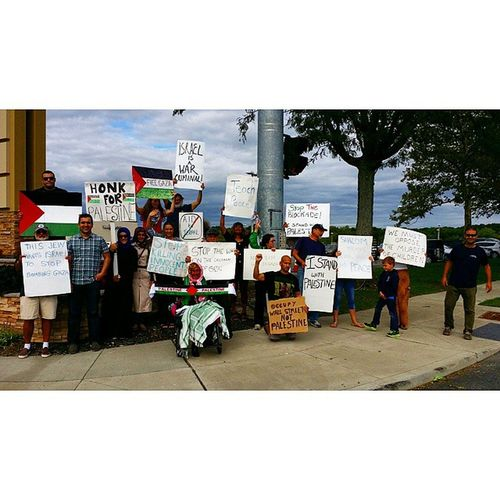 Group pic from earlier today of Long Island For Palestine's weekly protest at Smithaven mall LI4Palestine Freegaza Peaceinthemiddleeast Longisland freepalestine GazaUnderAttack peace