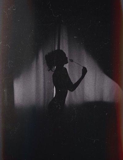 Nudelife VSCO Darknessinthelight Contrasts Night Dark Black Light Siluet
