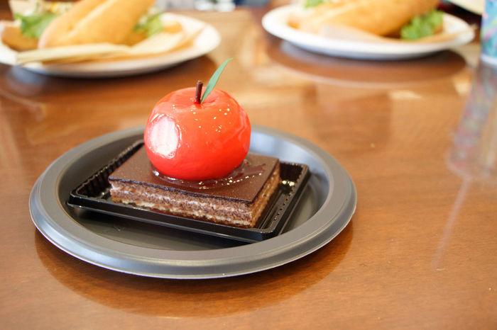 Deathnote cake (Ryuk's Apple) Ryuk Apple Apple Cake Dessert EyeEm EyeEm Best Shots EyeEmNewHere Red Temptation Cake Chocolate Cake Delicious Sweet Sweet Food Table