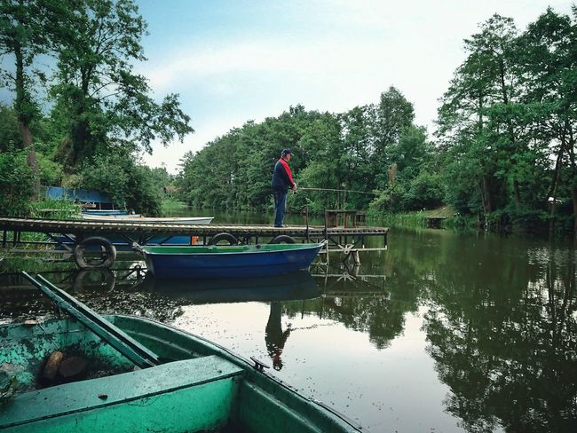Tree One Person One Man Only Adult Water Adults Only Nautical Vessel Only Men Day Reflection People Outdoors Men Nature Full Length Sky Real People Fisherman Fishing Wędkarstwo Wedkarz Rzeka Lowic Ryby River