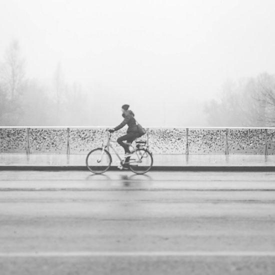 Its Cold Outside Eyeem Austria Graz Streetphotography Streetphoto_bw Riding A Bike  Bikers Wintertime Foggy Morning Fog_collection Lovelocks Bridge