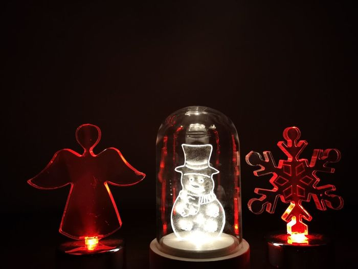 Black Background Christmas Decoration Red Figurine  Celebration Christmas Table Christmas Ornament Christmas Lights Religious Event Decorating The Christmas Tree Ornament Christmas Market christmas tree Statue Sculpted