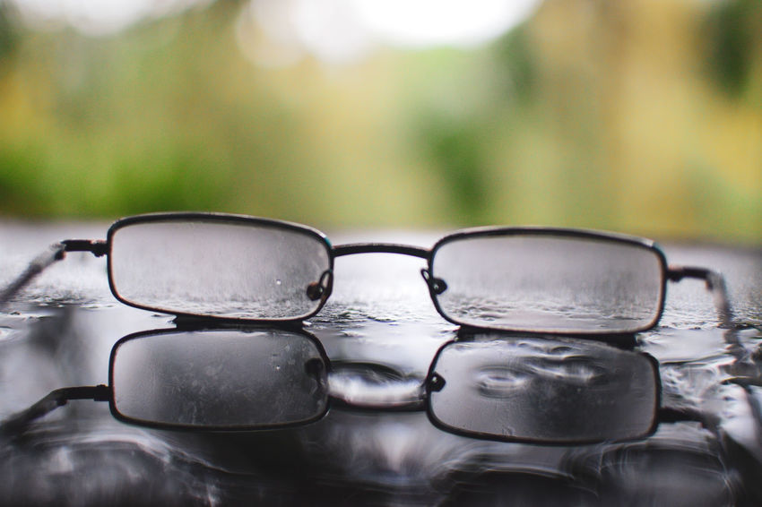 Eye Glasses Lens Lens - Optical Instrument Lenses Reading Glasses Reading Glass Sunglasses Eyeglasses  Water Close-up RainDrop Drop Wet Rainfall Rainy Season Condensation Splashing Droplet Monsoon Dripping Dew Blade Of Grass Rain Puddle Spider Web Water Drop Droplet Can