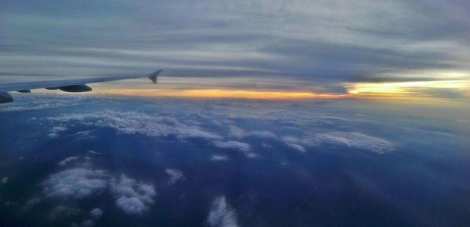 Cloudporn Airplane Travel Endless Sky Horizon Sunset Skyhigh Plane Airtravel