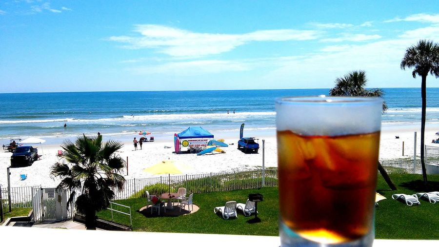 Relaxing Enjoying Life Hanging Out Ocean❤ Ocean View Ocean Cloud Sky Daytona Selective Focus Tea Time Tea Raspberry Tea Ocean Waves Waves, Ocean, Nature Waves Crashing Waves Breaking On A Shore Waves Sand Ocean Photography Ocean Beach Tranquility Water Hanging Out Daytona Beach