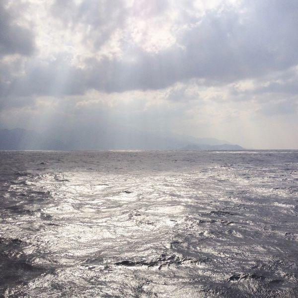 島影、 Horizon Over Water On Board Clouds And Sky Silhouette Nature Travel Photography Sunshine Beauty In Nature Landscape Scenics Wave Water Clouds Sky Seascape Blue Ocean Travel Day Japan
