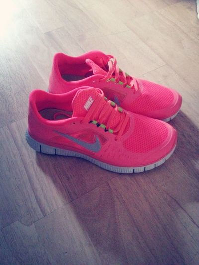 New Nike Shoes , Pink <3