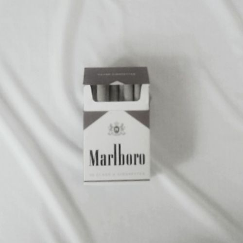 Black & White Cigarettes Malboro