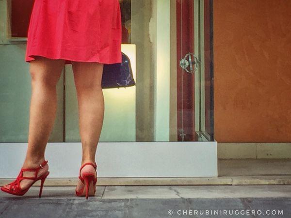 Person Fashion Fashion&love&beauty Fashion Photography Fashionable Cherubini Ruggero Lifestyles Abanoterme Woman Womaninred Woman Portrait Mywedding Quando non ho più blu, metto del rosso.