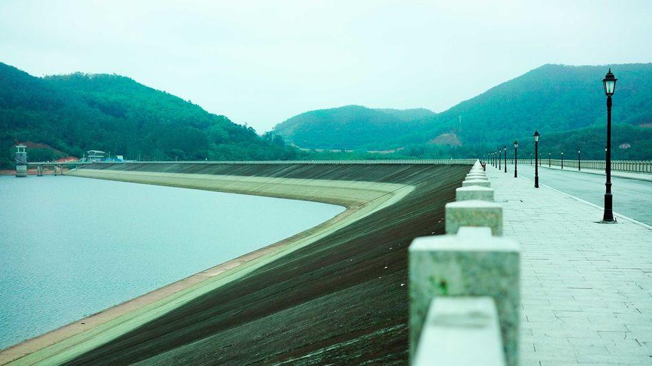 Concrete Dam Lake Reservior Water
