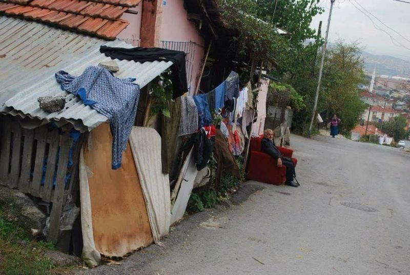 Mahalle Gecekondu Neighborhood Slum Dinlenmek Have A Rest Çamaşır Linen Semt District