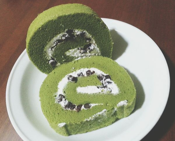 Fall In Love ♡ with Macha red bean Rollcake  )3