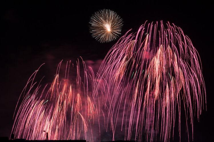 Cities At Night Colorful Firework Firework - Man Made Object Firework Display Fireworks Illuminated Night