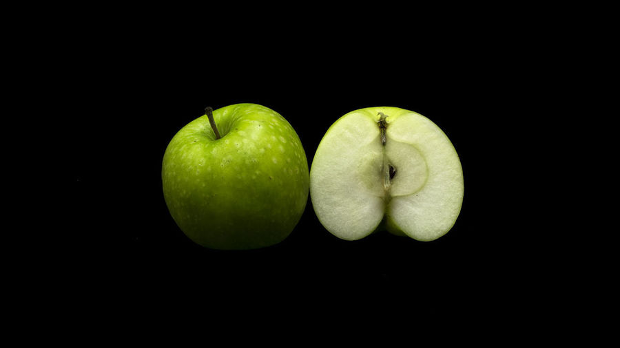 Apple EyeEm Best Shots Green Color Isolated Apple - Fruit Black Black Background Close-up Day Eye4photography  Food Food And Drink Freshness Fruit Fruitporn Fruits Granny Smith Apple Green Color Healthy Healthy Eating Healthy Lifestyle Indoors  No People Studio Shot Vegeterian
