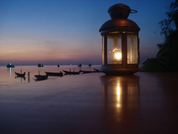Beach Boats Candlelight Dusk Illuminated Koh Tao Reflection