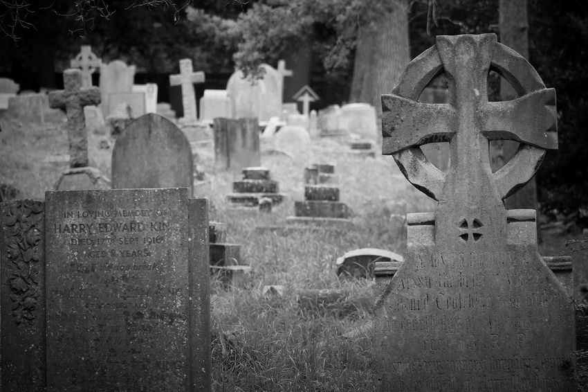 Tombstone Cemetery Memorial Grave Gravestone Graveyard No People No Property South West London Burial Ground Canonphotography Churchyard Graveyard Beauty Creative Photography Black & White Canon