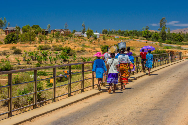 Bridge Carry On Head Crossing The Bridge Local Lifestyle Local People Madagascar  Outdoors Real People Rear View Walking Ziseetheworld Ziwang
