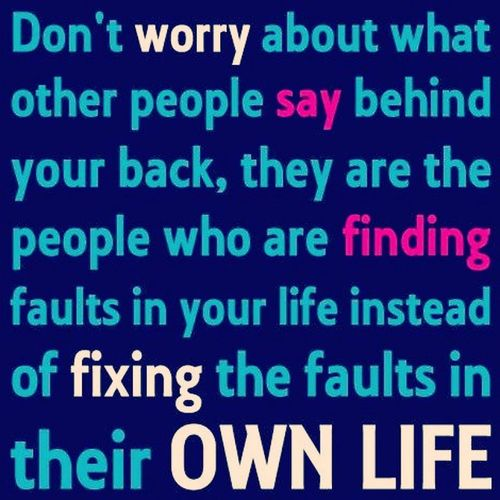 Don't give a damn to those backstabbers. 🔪 🔪 🔪 🔪 🔪 Thinkbeforeyouclick Mindyourownbusiness Fixyourownfaults Nobodysperfect dontworry