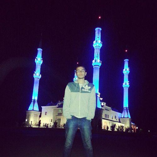 Вот сегодня ехал дамой с Шелковскоя по дароге с Gudurmescity в Grozniycity своткался рядом мечетью похожий на Сердцечечни Chechnya chechnyatoday russia grozniy shatoy gudurmes iloveyouChechny