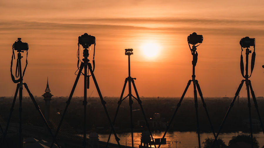 DSLR Horizon Landscape Photography Riverside Rooftop Shiluette Skyline Sun Sunrise Sunset Technology Tripod First Eyeem Photo