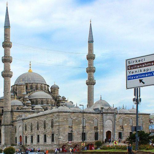 Istanbul Fatih City Art architech mimari eminonu travel museum yenicamii yenicami newmosque cami mosque