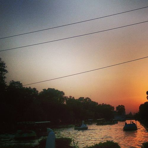 Indiagate Boating Summers Crazy People Evening