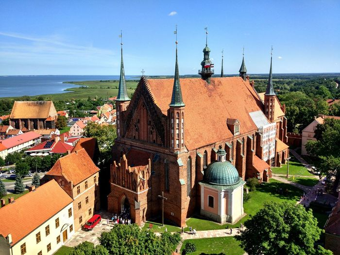 Travel Destinations History Architecture Building Exterior Outdoors No People Sky Vacations Day Cityscape Tranquility Poland Travel Built Structure Eastern Europe Frombork Spirituality Place Of Worship Religion Masuren Architecture Clear Sky Seaside Been There.