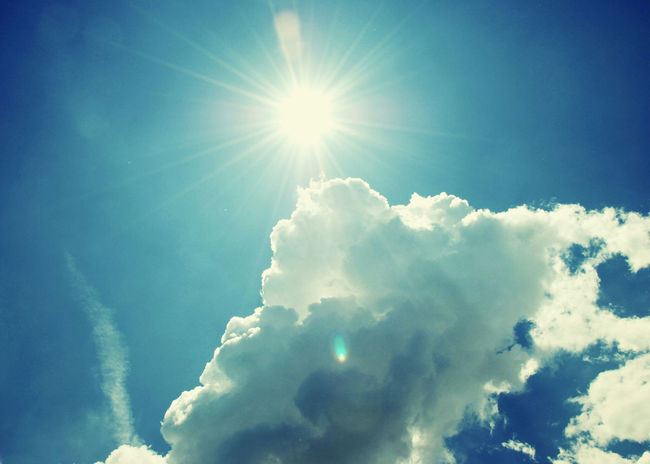 Sunlight Blue Sun Sunbeam Nature Sky Cloud - Sky Day Freshness No People Outdoors Beauty In Nature Low Angle View