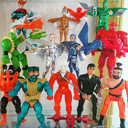 I was tagged by @meistershake to do a Shelfie ... Since all of the Silver Hawks figures are actually standing, this is my skunk ape/chupacabra/Jersey devil (holy grail?) pic! Got a little Black Star, Secret of the Ninja and Motu action there too. I nominate @dumontlamont, @ghostbeard77 and @darthmoondog to show us some shelfie... Blackstar Galoob Secretoftheninja Remco Motu Stinkor Klone Silverhawks Kenner Kotoys Copperkidd Motuko Mattel Mattycollector 80stoys Vintagetoys Actionfigures Toycrewbuddies 80sKid 80schild Toycollector Toycollection Toysaremydrug Toycommunity toypics toyplanet toycollectorproblems