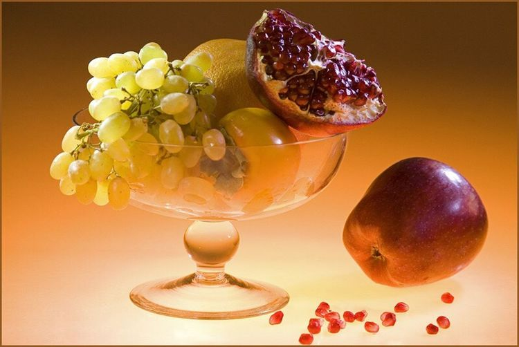 Still life. Glass bowl of fruit. Still Life Bowl Glass - Material Glass Bowl Fruit Fruits Grapes Persimmon Apple Orange Pomegranate Food Foodphotography Food Photography Fruits Lover