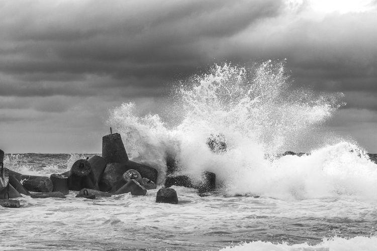 Splash Havana Cuba Bnw Bnw_collection Waterfront Seascape Cloud - Sky Water Sea Motion Wave Sky Shore Rushing Surf Tide Coast Crashing