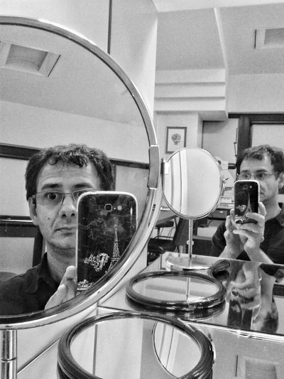 Self Portrait Around The World Selfie ✌ Selfie Myphonephotographyofficial Mirrorselfie Mirror Iam Selfportrait Me Blackandwhite