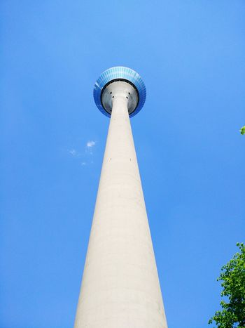 Düsseldorfer Rheinturm ist ein markantes Wahrzeichen der Düsseldorfer Rheinkulisse First Eyeem Photo