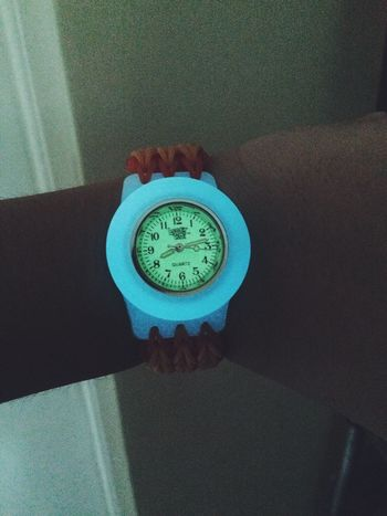 My Loomey Time watch is glowing :) Glow In The Dark VSCO Rainbow Loom Loombands