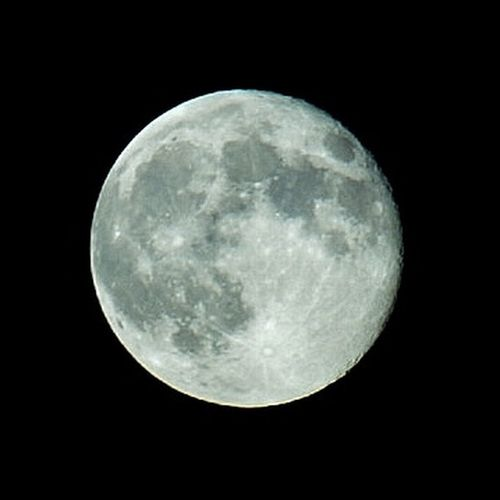 Full Moon.... Fotografia Nopeople EyeNatureLover EyeEmNewHere Eyeemphotography Nightphotography Astronomy Space Moon Space Exploration Satellite View Half Moon Moonlight Moon Surface Clear Sky Discovery Astrology Space And Astronomy Galaxy