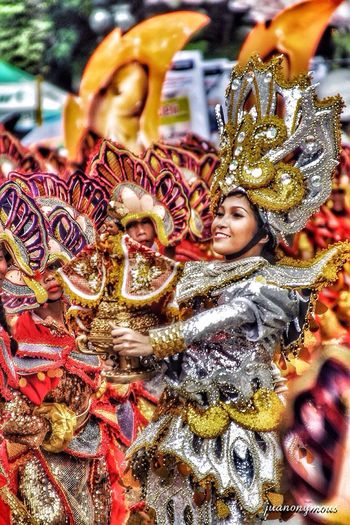 Streetdancer Sinulogfestival Cebu Philippines Colorful Costume Dance Parade Festival Sinulogfestival2017 Streetphotography