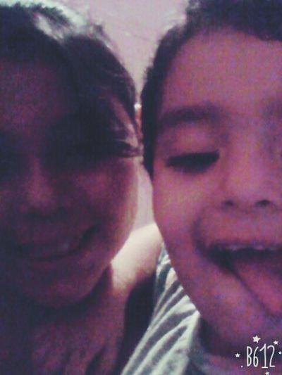 con mi sobrino jgando😎😎😎😎😎😎😚😚🙌🙌🙋🙋😘😘😘😘😘 😘😘😘😘 Kiss 🎈👻