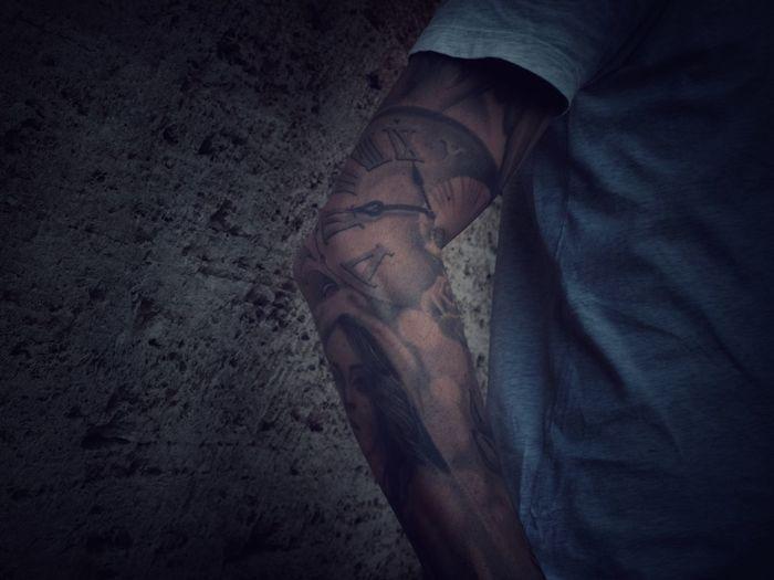 The Clock Urban Lifestyles Tattoo One Person Men Human Body Part Body Part Real People Human Leg Visual Creativity Lifestyles Adult Human Limb Visual Creativity