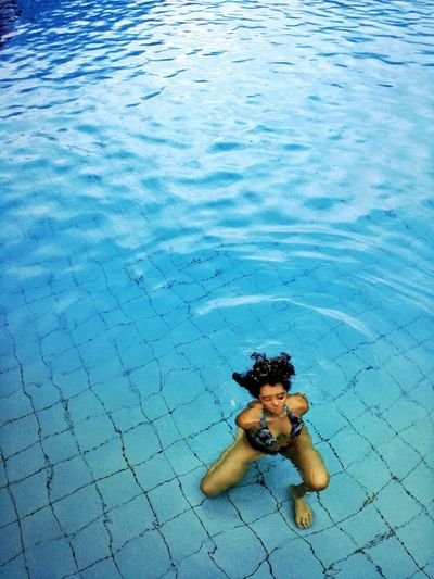 High Angle View Water Blue Animal No People Animal Themes The Portraitist - 2018 EyeEm Awards Underwater Beauty In Nature Swimming Outdoors