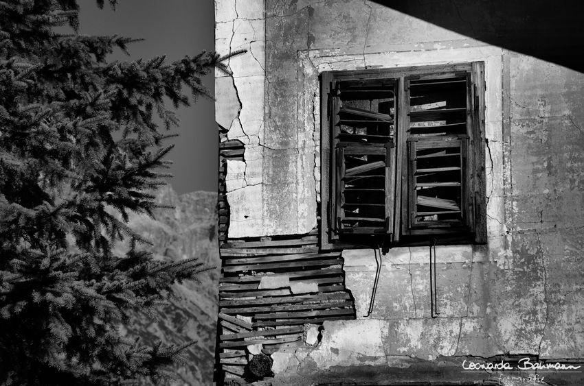Tirol  Austria Österreich Heimat Window Built Structure Architecture EyeEmNewHere Old Building  Old House Old Buildings EyeEm Best Shots Outdoors No People Eye4photography  Abandoned Abandoned Buildings EyeEmBestPics Expired Verlassene Orte Verfallen Schwarzweiß Black & White Black And White Blackandwhite